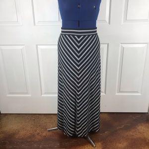 2X chevron pattern stretch maxi skirt